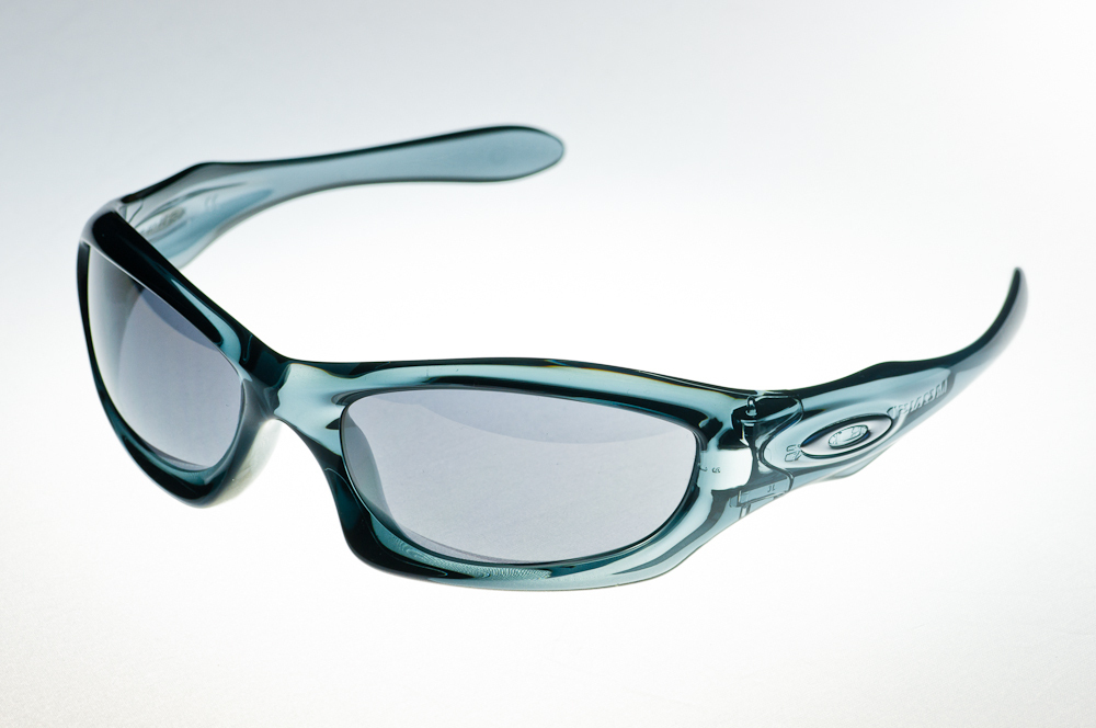 ee2b5badb3 OAKLEY MONSTER DOG Crystal Black Black Iridium 05-012 - www.top-optik.eu